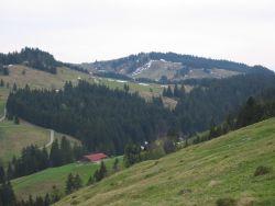 Blick auf Hochwieshütte und Kapelle